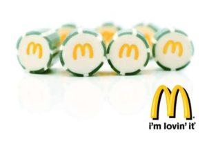 Werbebonbons mit Logo der Marke McDonalds
