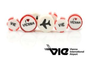 Werbebonbons mit Motiven des Vienna International Airports