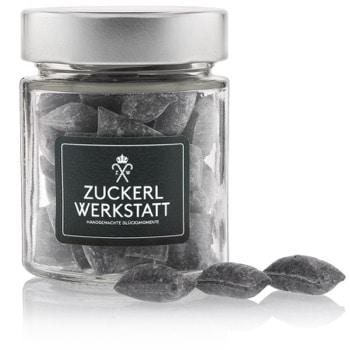 Salzige Lakritze Drops Bonbons aus einer ausgewogenen Mischung von Süßholzwurzel, Anis und Salmiaksalz
